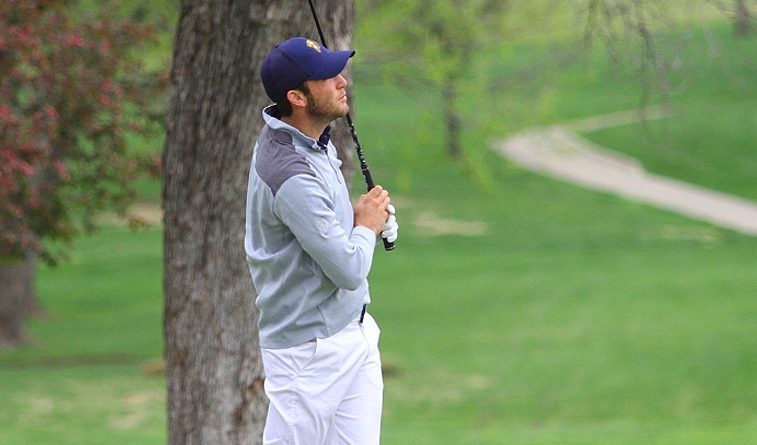 UCO leads in howling winds at Oak Tree CC, Hughes manages 69